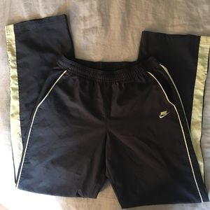 Nike Athletic Pants - Perfect for Warm-ups